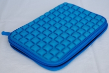 Padded Universal 7/8 Tablet sleeve BLAU